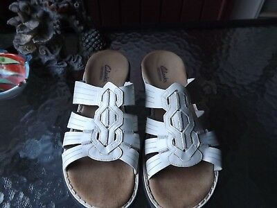 6537c9e047a9d Clarks Bendables Womens Sandals Slides Sz 7.5 Med White Leather Comfort  Shoes