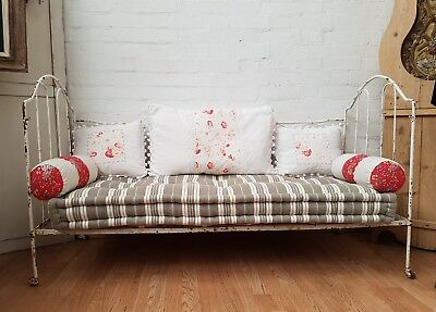 DELIGHTFUL ANTIQUE FRENCH IRON DAY BED / WINDOW SEAT - c1900