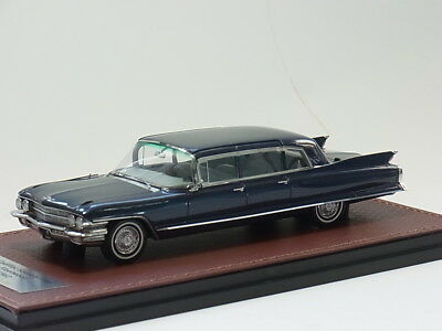 Cadillac Fleetwood 75 Limousine 1962 - blue met. - 1:41 GLM - GLM-121602