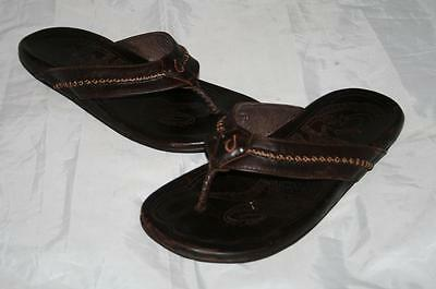 c0999aecffe2 OLUKAI  MEA OLA  Mens Flip Flop Brown Leather Sandals Mens 9  120 ...