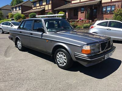 Volvo 240 GLE 1986 2.3 Petrol New MOT lovely condition only 92,000 miles