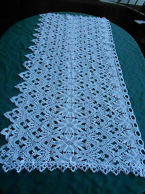 Beautiful Antique Snow White Lace Runner Or Valance In An Exquisite Design,c1950