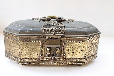 Antique Brass South India Golden Plated Big Size Box With Original Key NH2723