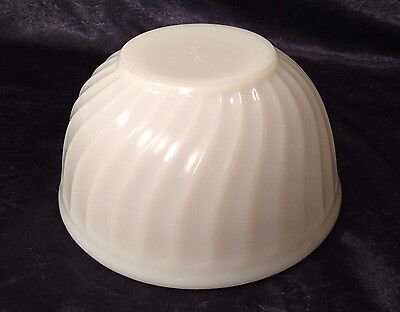 Vintage Anchor-Hocking Fire-King; Swirl-Anchor White; Nesting Mixing-Bowl; 8-IN