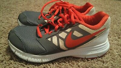 Under Armour Boys Athletic Shoes Red And Black Size 35 Y