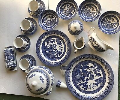Blue Willow Churchill England Service for 4- 27 Pc. w/ Serving Pieces