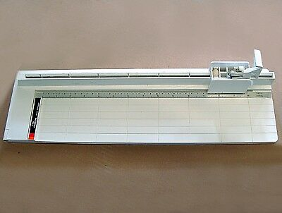 "FALCON STRAIGHT BLADE PAPER CUTTER CUTS 14"" DIGITAL PAPER AND PHOTOS Made in USA"