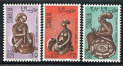 Somalia 1968 Somalian Art/statuette/domestic Activities/woman/grinding Grain/