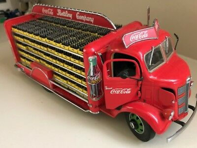 Danbury Mint 1938 Coca Cola Delivery Truck..1:24.Mint With Most Of The Cases.
