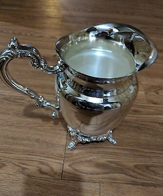 Oneida Silver Plated Water Pitcher Excellent Condition 2 Qt