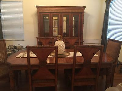 dining room set: table, 6 chairs, and china/display cabinet **mint** light