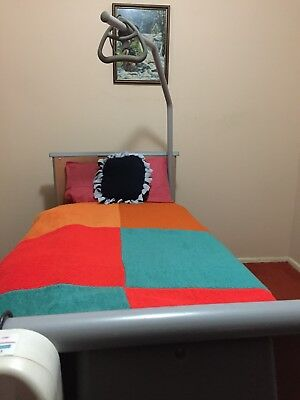 INVACARE  Homecare & High Risk Bed.