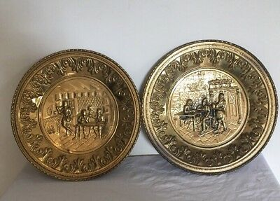 Vintage round Brass Wall Hanging 29.5cm Made In England Very Good Condition