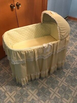 Vintage Wicker Badger Folding Bassinet With Skirt And Hood Cover In Original Box