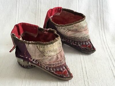 Antique Qing Dynasty Chinese, silk embroidered ladies Lotus shoes