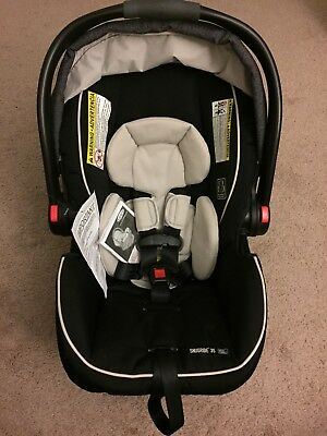 Graco SnugRide Click Connect 35 Infant Car Seat W Boot In Dark Gray Rear