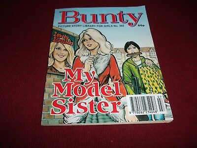 BUNTY  PICTURE STORY LIBRARY BOOK from the 1990's - never been read.