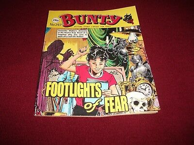 BUNTY  PICTURE STORY LIBRARY BOOK from the 1980's - never been read.vg condit!