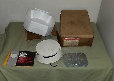 Vintage 1975 Honeywell Smoke & Fire Detector Alarm TC49A Made in USA New old stk