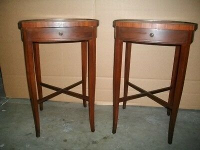 1940's - 50's Pair of Mahogany stands in the Hepplewhite style