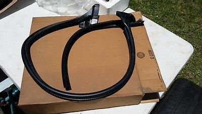 Nos Gm 2000-2007 Chevy And Gmc Truck Lh Rear Door Weatherstrip Seal Oem 15762765