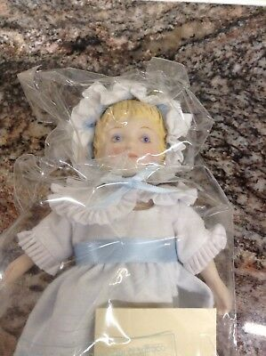 """Vintage 1983 Avon Victorian Collector 8"""" Porcelain Doll with Stand New in Box"""