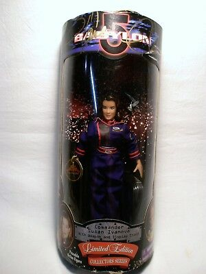 Babylon 5  Commander Susan Ivanova Action Figure SIGNED by Claudia Christian NIB