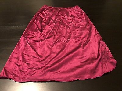 burgundy MAIDENFORM SWEET NOTHINGS half slip size small