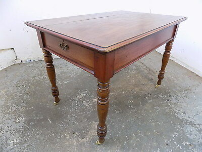 antique,victorian,mahogany,table,turned legs,castors,dining table,drawer,library