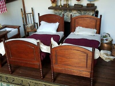 Dollhouse Miniature Artisan Escutcheon 2 Dressed Beds Signed Lace Pillows 1:12