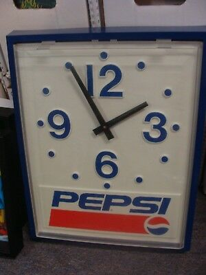 Vintage Pepsi Clock Battery Operated