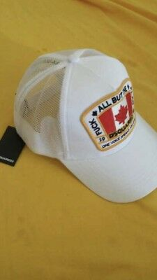 f479fa320afc4a Dsquared2 Canadian Flag Baseball Cap White Hat Size M Men Women 2018  Collection