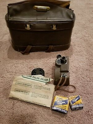 Revere 8mm Movie Camera WORKS!!! INCLUDES ACCESSORIES