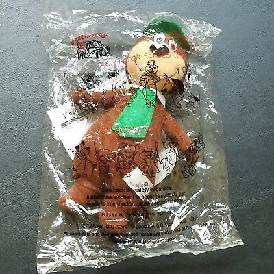 NEW IN PACKAGE DQ Kid's Meal Pick-nic Yogi Bear Plush Toy Green Tie & Hat 2000