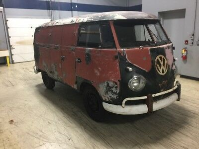 1959 Volkswagen Bus/Vanagon Double door non walk thru October of 1958 VW Bus