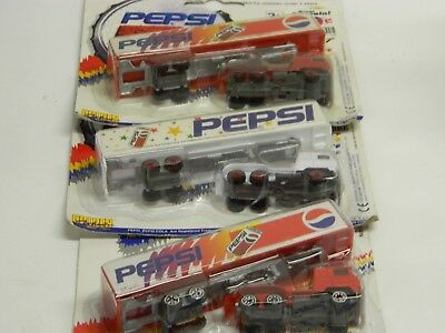 Lot of 3 GOLDEN WHEEL 1/100 Sc PEPSI INTERNATIONAL Transport Trucks New in Pkg}
