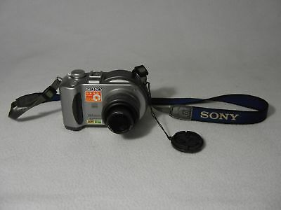 Sony Mavica MVC-CD300 3.3 Megapixel with Battery and Disk X0352