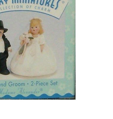 Hallmark Merry Miniatures Bride and Groom Set Madame Alexander Figures 1998