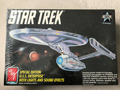 Star Trek Special Edition USS Enterprise with Lights and Sound Effects AMT ERTL