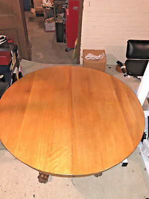 Beautiful Antique Oak  Dinning Table And 6 Pressed Back Chairs