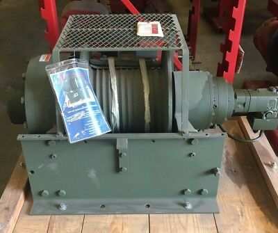 NEW DP MANUFACTURING 55,000 lb HYDRAULIC WINCH (MODEL 51883)