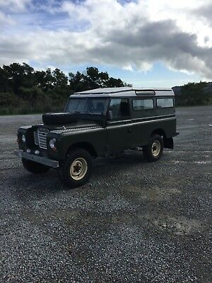 1972 Land Rover Defender  1972 Land Rover Series III Defender