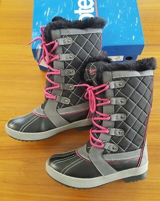 c3074aa5e2dbe NEW TOTES KIDS Girls SIZE 2  Sabrina  Winter Duck Boots BLACK   PINK ...