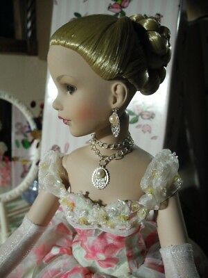 "TONNER 18"" Kitty Collier Doll Serenade Blonde Floral Green Ball Gown Stand & Box"