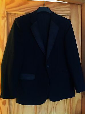 Vintage mens black satin-collared wool blend tuxedo dinner suit jacket 40 chest