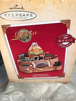 2004 Hallmark Lionelville Train Light Sound Motion Christmas Ornament