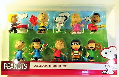 New Peanuts 10 Figure Collectors Set Just Play Toy Charlie Brown Snoopy Lucy