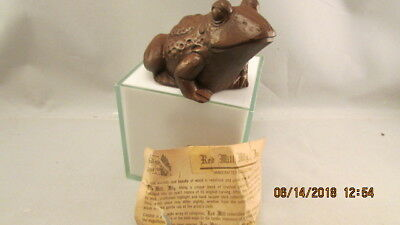 Decorative 1986 Red Mill Mfg. Handcrafted Frog Figurine w/ Label pecan wood