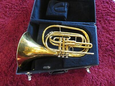 King 1122 Marching French Horn ///////////////////////