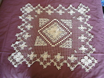 #032  Beautiful Vintage Handmade Filet  Tablecloth